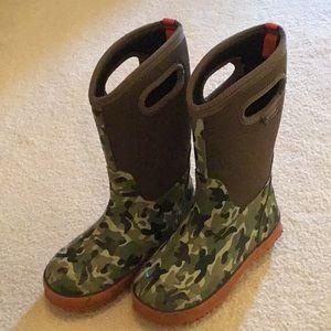 Bogs Camo winter rain boots boys 4Y EU size 37